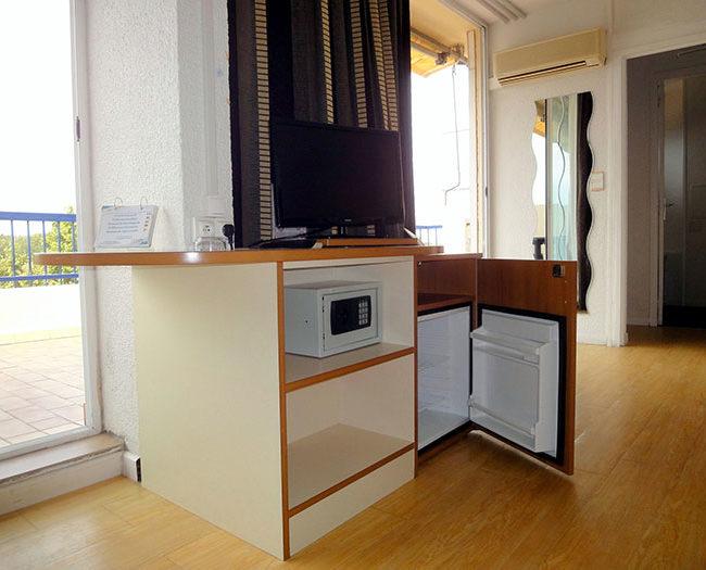 chambre avec frigo
